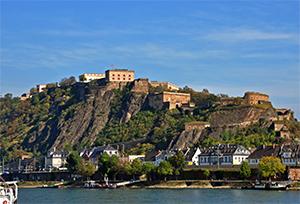 Festung Ehrenbreitstein vista da Koblenz, roccaforte più grande d'Europa